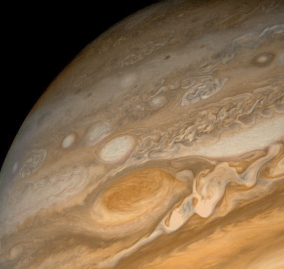 voyager-jupiter-great-red-spot.jpg