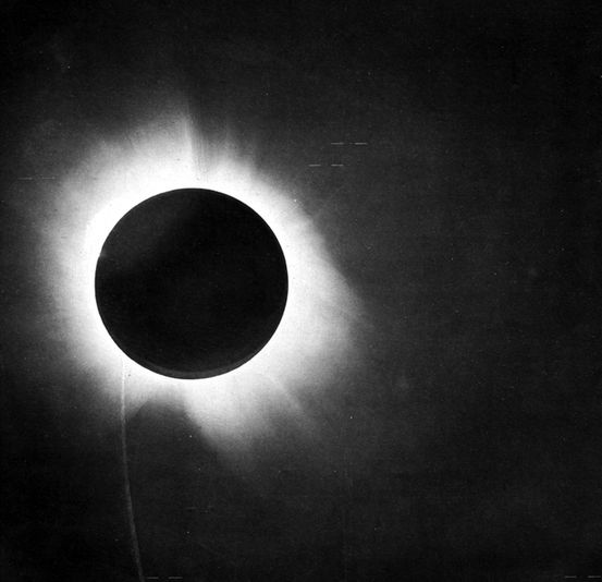 total-solar-eclipse-1919.jpg